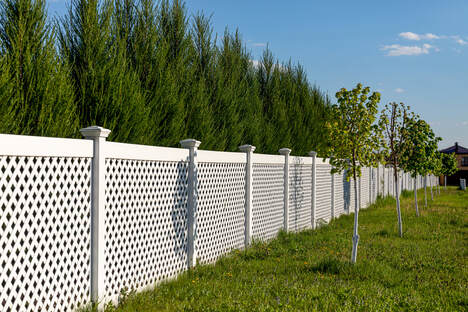Picture of vinyl fencing
